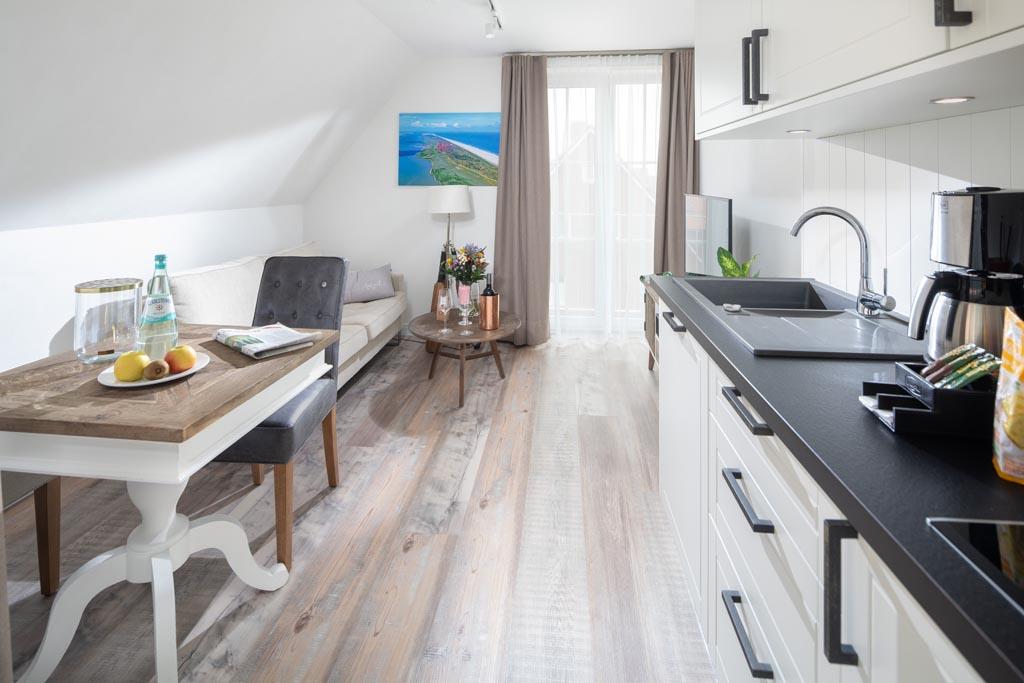 Heimathafen Juist Apartmenthaus: Seebrücke - Besuchen Sie uns, überzeugen Sie sich selbst und lassen Sie sich von der Wirklichkeit begeistern!
